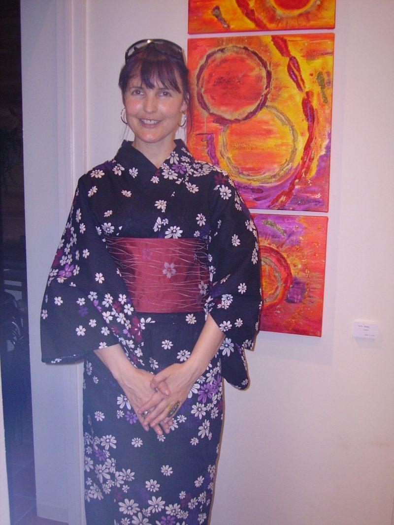 About Emerald Dunne: Artist in yukata, Art de Art exhibition, Takatsuki, Japan, September 2007.